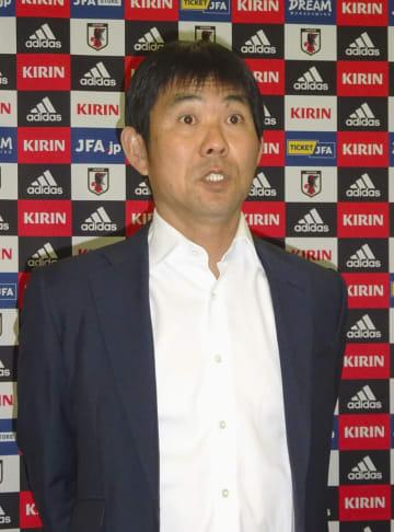 欧州視察から帰国し、取材に応じるサッカー日本代表の森保監督=6日、東京都内