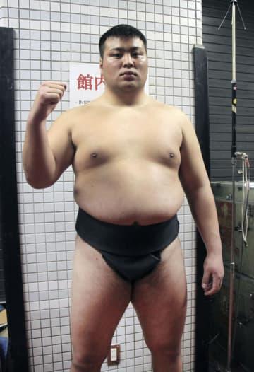 前相撲で白星デビューを果たした斎藤改め北の若=エディオンアリーナ大阪