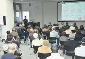 市民らが糖尿病の基礎知識や運動療法などに理解を深めた教室