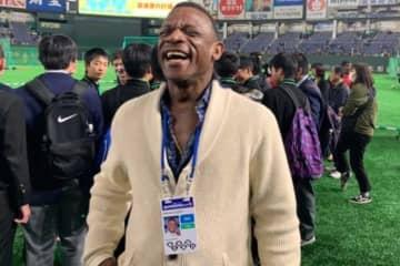 20日のMLB日本開幕戦で始球式に参加したリッキー・ヘンダーソン氏【写真:編集部】