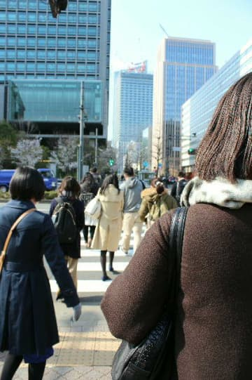 女性の転入超過が続く東京圏=東京・日比谷