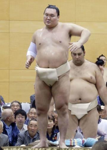 埼玉県日高市の巡業に参加した横綱白鵬関=25日