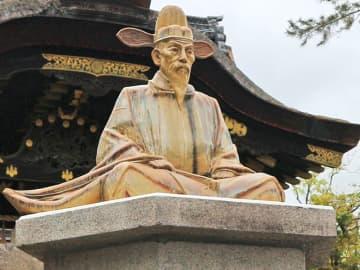 豊臣秀吉の陶像は5月1日から一般公開する(京都市東山区)