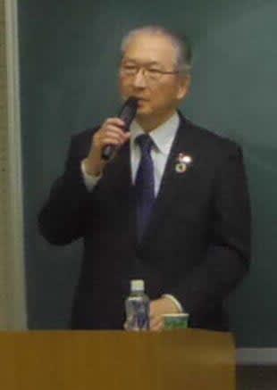 講義する連合の神津里季生会長(京都市東山区・京都女子大)