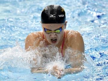 公式練習で調整する渡部香生子=東京辰巳国際水泳場