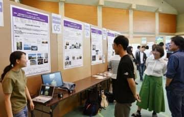 学生らが研究成果を発表したOPUフォーラム
