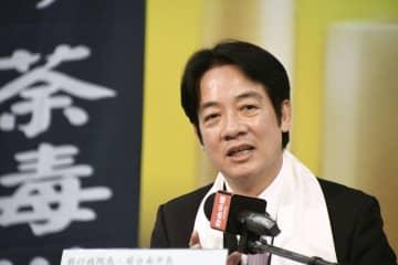 天安門事件に関するシンポジウムに参加し、演説する台湾の頼清徳前行政院長=2日、台北市(共同)