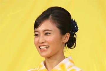 小島瑠璃子、氷川きよしとの写真を公開 「姉妹みたい」と話題に