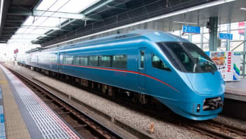※登戸駅を通過中のロマンスカーMSE 2019年2月26日 鉄道チャンネル編集部撮影