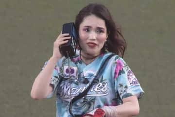 始球式を行った平野ノラさん【画像:パーソル パ・リーグTV】