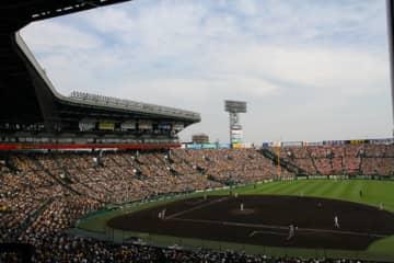 第3試合は、国学院久我山が前橋育英を7-5で下し甲子園初勝利