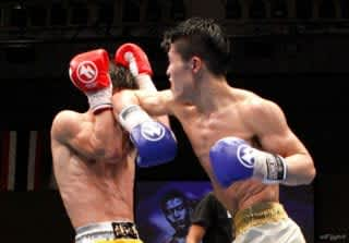 小川翔(右)は豊富なキャリアと多彩な攻撃で日本三冠を達成