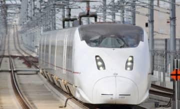 九州新幹線800系 ※出典 Pixta