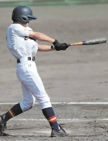 仙北―芽室 タイブレーク10回裏仙北2死二、三塁、斉藤が中前にサヨナラ打を放つ