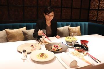 19日の記念イベントで振る舞われた料理の例=大阪市北区、ザ・リッツ・カールトン大阪