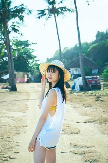 髙橋ひかるが待望の復帰。1st写真集が3月27日に発売決定!