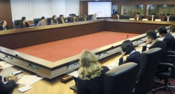 東京電力福島第1原発の処理水の状況に関し在京大使館関係者向けに開かれた説明会=4日午前、東京都内