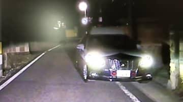 ドライブレコーダーが撮影した市道を逆走するパトカー(山形市・視聴者提供)