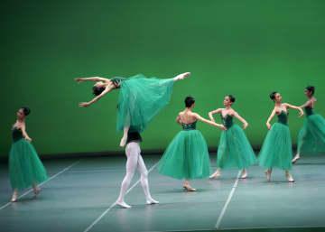 中国中央バレエ団、北京で「ジュエルズ」を上演
