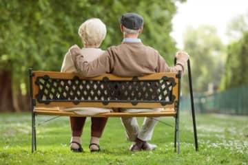 年金改革法の成立で、「在職老齢年金」はどう変わる?