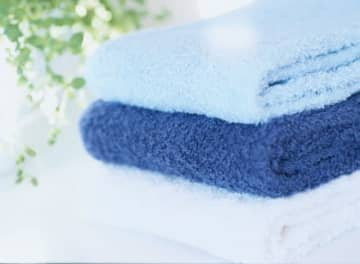 風呂上がりは身体も頭も洗ってサッパリ。手に取ったバスタオルから雑巾臭……だなんて想像するだけでもイヤですよね。いったいどうしたらバスタオルを快適に維持できるのでしょう。
