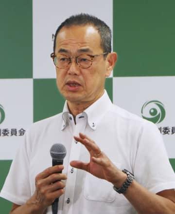 記者会見で発言する原子力規制委員会の更田豊志委員長=25日午後、東京都港区