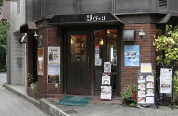 堀敬治さんが経営する喫茶店=大阪市