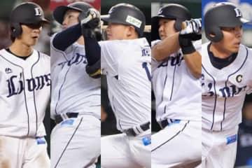 タイトルを獲得した西武・金子、山川、森、中村、秋山(左から)【写真:荒川祐史】