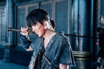 山崎賢人『キングダム』壮大な中国ロケの舞台裏語る!メイキング映像が公開