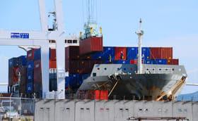 室蘭港の8月の貿易額は前年同月比7割超の大幅減となった