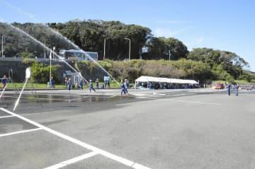 正確性タイムを競った三浦市消防操法競技大会=5日、三浦市・城ケ島