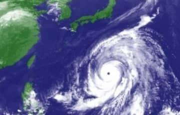 気象庁 台風19号衛生画像