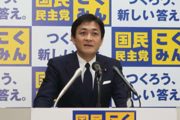 定例会見に臨む国民民主党の玉木雄一郎代表。菅直人元首相のツイートに不快感を示した