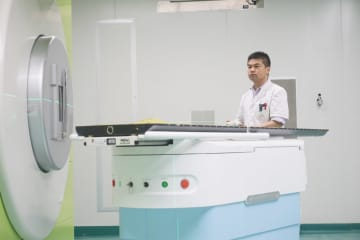 中国産の炭素イオン治療システム、初めて販売許可を取得