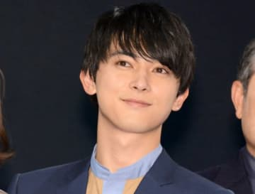 吉沢亮、声の演じ分けがすごい…!初のアニメ声優で1人2役