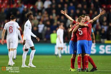 イングランドがアウェイでチェコに逆転負け