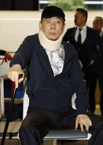 府中刑務所を出所した、指定暴力団山口組の高山清司若頭=18日午前、東京都港区