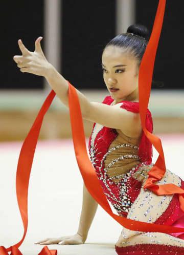 女子個人総合で優勝した喜田純鈴のリボン=千葉ポートアリーナ