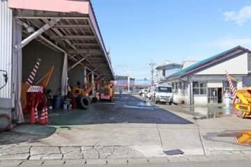 男性2人がクマに襲われた現場=19日午前10時30分すぎ、魚沼市井口新田