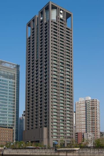 関西電力本店。第三者委の報告書の行方は(J oさん撮影、Wikimedia Commonsより)