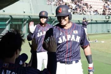 本塁打を放った侍ジャパン・鈴木誠也【写真:Getty Images】