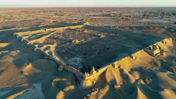 シルクロードに残る重要文化財 黒城遺跡をゆく 内モンゴル自治区