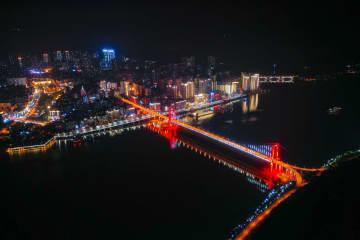 三峡ダムの貯水位上昇で、長江に美しい夜景広がる