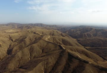明代の長城遺跡を訪ねて 内モンゴル自治区