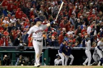 7回に満塁ホームランを放ったアストロズのアレックス・ブレグマン【写真:Getty Images】