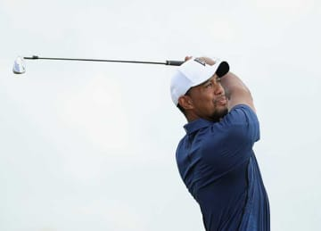 Tiger Woods Returns to Golf at Hero World Challenge