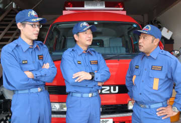 高齢者の避難支援に尽力した(左から)吉居さん、志水さん、末永さん=佐世保市江迎町