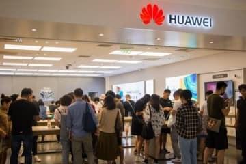 A Huawei offline shop on Sept 28, 2019 in Beijing. (Image credit: TechNode/Coco Gao)