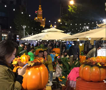 上海に夜市のモデル通りがオープン 拡大する夜間経済消費