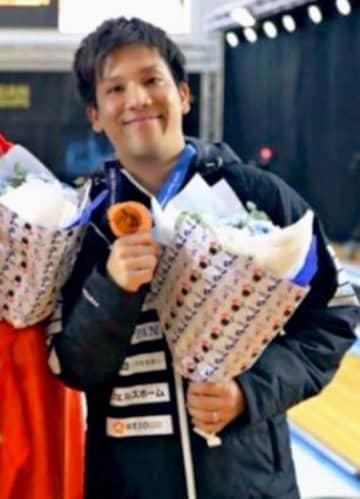 男子マスターズで銅メダルを獲得した安里秀策=クウェート(アジアボウリング連盟提供)